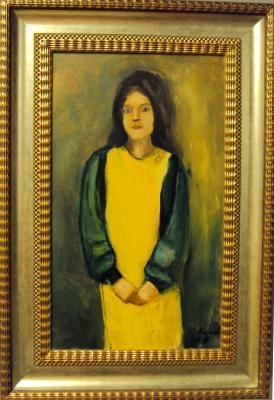 Tyttö keltaisessa mekossa